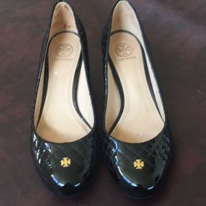 Tory Burch pumps with Gold heels